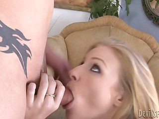 Sexy Avril gets busted and copulates her BFF's daddy to make it up