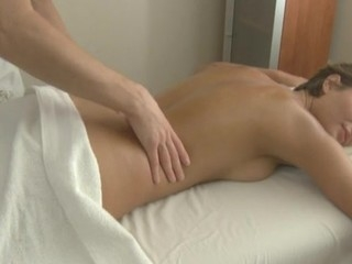 Hunk is driving honey insane with sensual massage and fucking