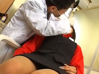 Bonny young asian gets on her knees yon suck a thick dick