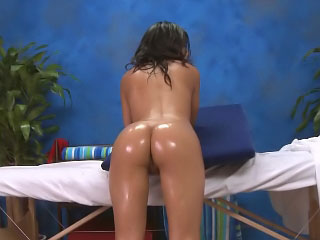 Gorgeous brunette spoil opens wide be beneficial to a big white blarney