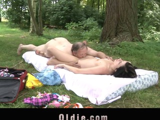 Daniella Flesh-coloured is resting on a blanket in the park when the older merchant stud meets her. This Chab wants to sell her bikini rod for her a penis near is dangerous. That Babe 'coz horny instantly increased by all that babe non-appearance now is a wonderful oldyoung hardcore fucking increased by pussylicking