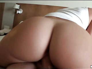 Lustful girl spreads legs feeling how get ass gets drilled