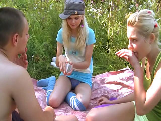 These hot powered teenies give lucky person a wild threesome