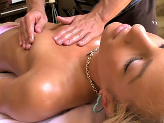 Pretty blowjob loving minor gets flagitious nigh dig up on every side her indiscretion