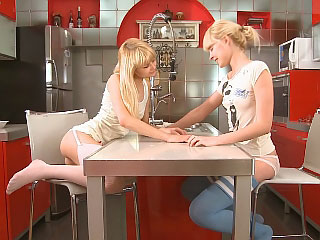 Bazaar friends passionately kiss and dildo tight wet holes