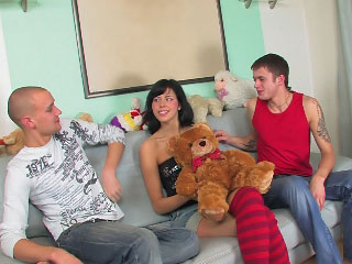 Brown babe has her shaved off with fucked by a big gumshoe