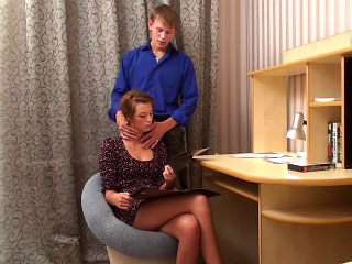 Blue ill-lighted babe gets on their equally knees to suck steadfast big gumshoe